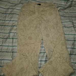 Womyn jeans